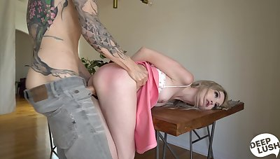 Deep sex for an ass spanked blonde obedient till the end