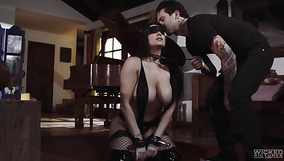 Submissive busty milf Romi Rain does completeness her man desires