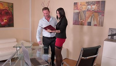 Provocative MILF Summer drops her panties to be fucked hard