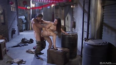 Army man fucks her pussy merciless then cums in her
