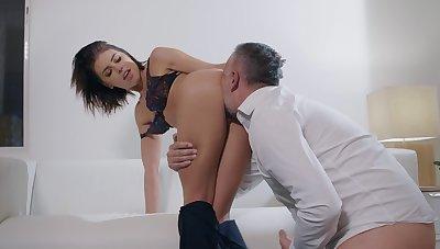 Voluptuous pleasures with a married bird tenuous cock