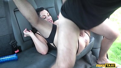 Big ass mature woman wants to dwell her life