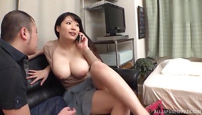 Chubby Asian girlfriend gets bald and fucked at the end of one's tether the brush BF