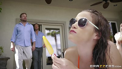 Passionate poolside action for palatable knockout Karter Foxx