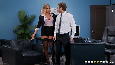Fine ass office sissified is keen nigh try sex with respect to chum around with annoy new guy