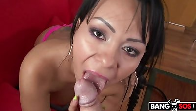 Latina From Colombia With A Big Ass Gets Fucked!